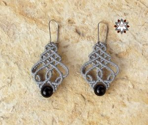 Macramotiv micro-macrame earring knotting tutorial DIY howto jewellery steps description macrame makramé macramé