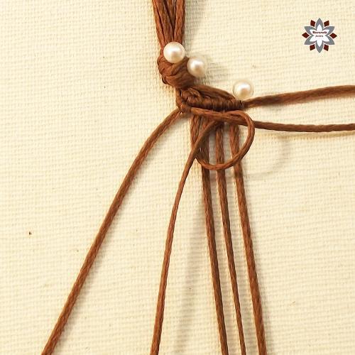 Macramotiv micro-macrame knotted bracelet tutorial photo instructions steps DIY how to knotting migramah friendship bracelet