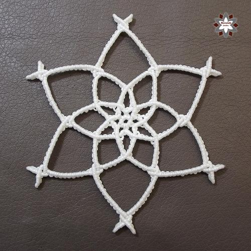 Macramotiv micro-macrame knotted snowflake macramotiv.com how to knotting snowflake ornament migramah DIY makramé csomózás macramee christmas ornament instructions step-by-step steps handcraft