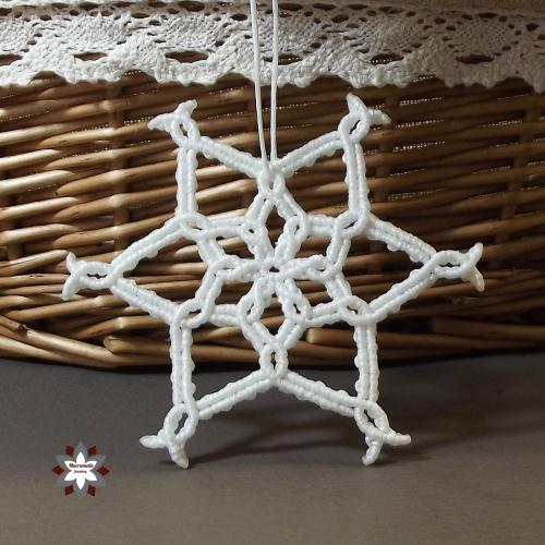 Macramotiv.com micro-macrame knotted christmas snowflake ornament tutorial steps DIY instructions knotting steps step-by-step migramah star iceflower makramé macramé macramee handcraft
