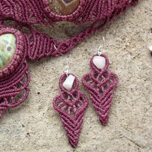 Macrame, knotted earrings, micro-macrame made by Macramotiv macramotiv.com