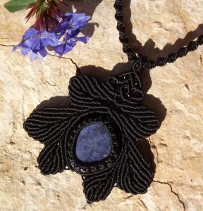 Macrame, knotted necklace, micro-macrame made by Macramotiv
