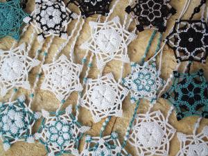 Macrame, knotted necklace, micro-macrame snowlake made by Macramotiv