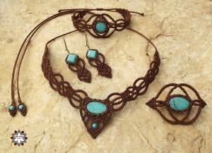 Macrame set, knotted necklace, bracelet, earring, brooch, micro-macrame made by Macramotiv