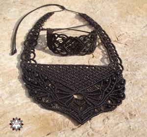 Macrame set, knotted necklace, bracelet, made by Macramotiv