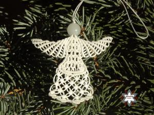 Macrame, knotted angel, micro-macrame made by Macramotiv