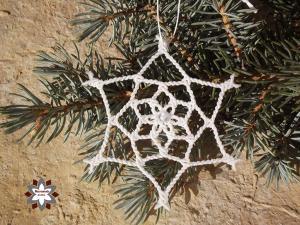 Macrame, knotted snowflake, micro-macrame made by Macramotiv